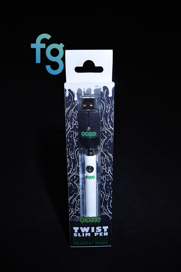 Ooze - White Slim Pen Twist Battery w/ USB Smart Charger